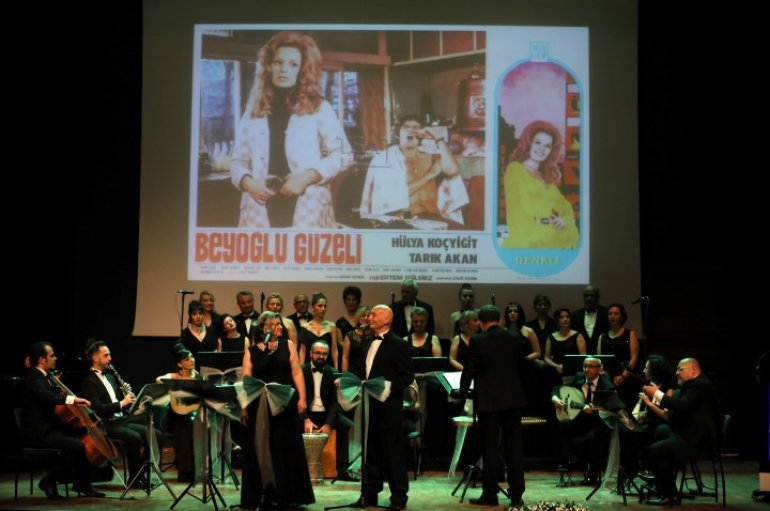 (Turkish) Yeşilçam şarkılarda yeniden hayat buldu
