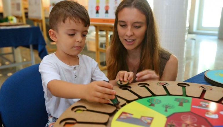 (Turkish) Hem anneler hem çocuklar için en güzel hediye oyun