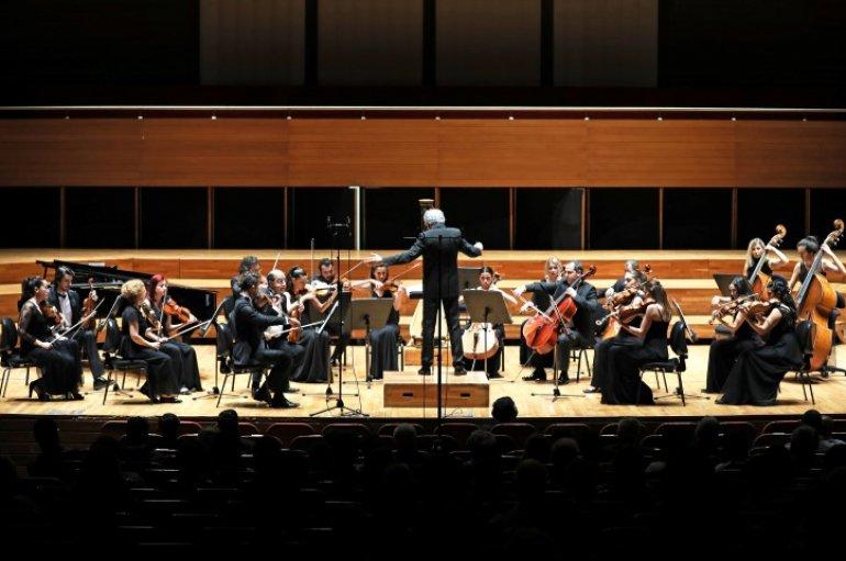 (Turkish) Yaşar Oda Orkestrası'ndan Bahar Esintisi