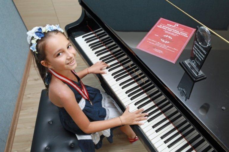 (Turkish) Müziğin altın çocuğu