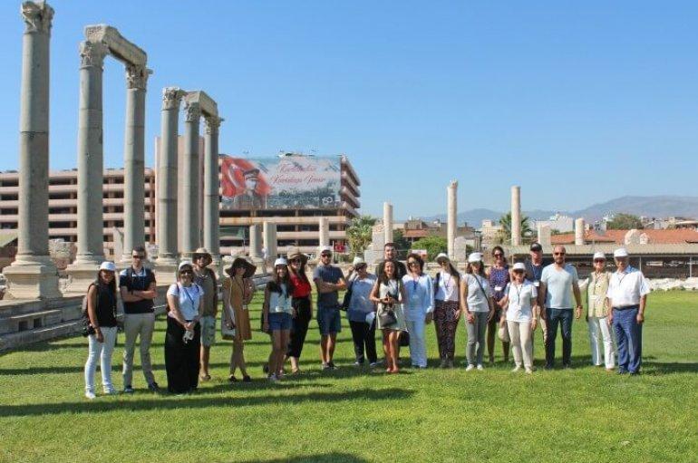 (Turkish) Turizmde büyük tehlike: 'Arkeolojik Vandalizm'