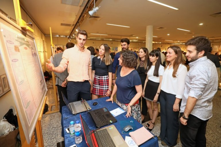 (Turkish) Öğrenciler üniversiteleri için tasarlıyor