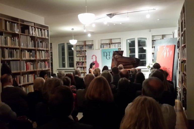Yaşarlı akademisyenlerden Bonn'da anlamlı etkinlik